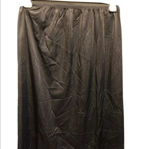Black Vint Half Slip Vanity Fair Large 100% Nylon